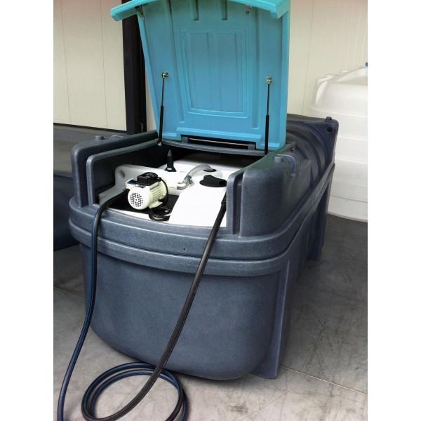 dvouplášťová nádrž AdBlue 2000 litrů plně vybavená